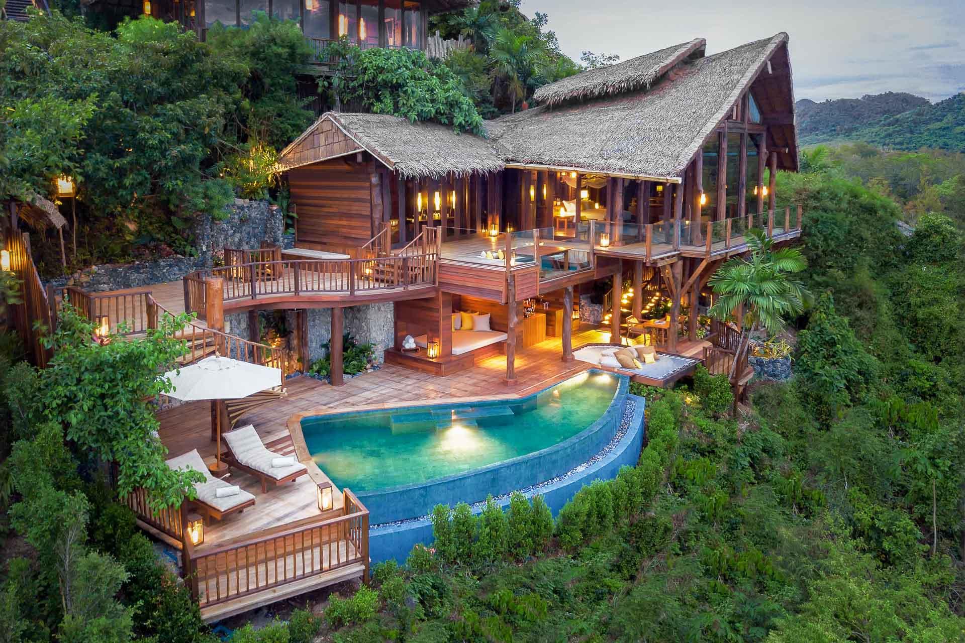 Entre Phuket et Krabi en Thaïlande, le Six Senses Yao Noi s'agrandit avec l'ouverture d'une villa privée aussi luxueuse que romantique. Vues imprenables sur la baie de Phang Nga, piscine à débordement, salle de cinéma, tous les ingrédients sont réunis pour passer un moment d'exception.